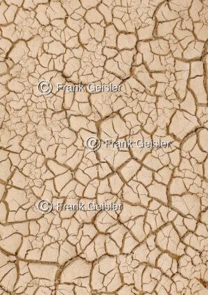 Hautschutz, Symbolik rissige Erde für trockene Haut - Medical Pictures